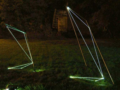 13 CARLO BERNARDINI, Space Drawings 2002, Stainless steel, optical fibers, feet h 10x3x3-h 7x3x4, Utica, New York.
