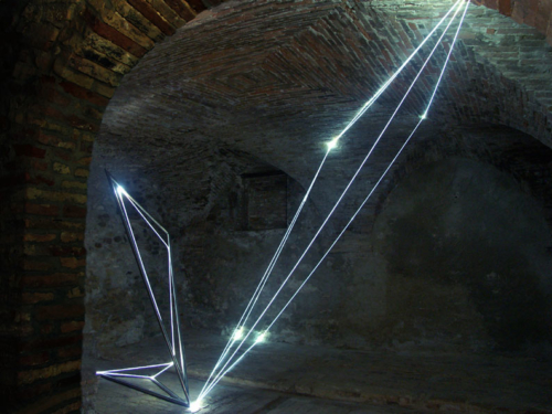 02 CARLO BERNARDINI, LIGHT CATALYST 2005, stainless steel, optic fibers, feet h 11x14x22. Castelbasso, Fondaco-Palazzo Pirocchi.