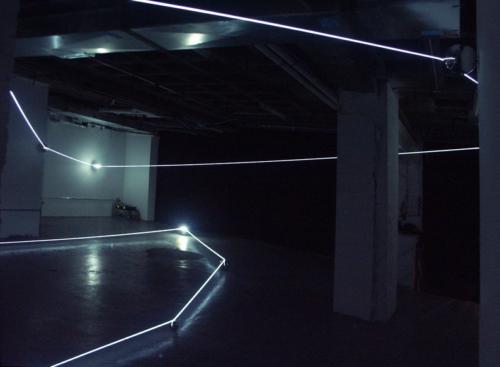 03 CARLO BERNARDINI, Event Horizon 2007, optic fibers, stainless steel spheres; feet h 14x45x35 (part.). New York, Swing Space, LMCC.