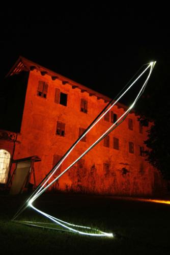 19 CARLO BERNARDINI, States of lighting 2005, stainless steel, optic fibers, feet h 14x5,5x3,5; Ariis di Rivignano (UD), Villa Ottello Savorgnan.