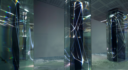 02 CARLO BERNARDINI, LIGHT WAVES 2008, Glass prisms, optic fibers, olf surface, videoprojection, sound; feet h 13x31x7; Brindisi, Aeroporto del Salento.