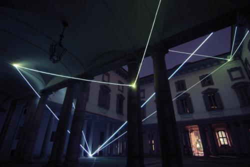 03 CARLO BERNARDINI, LA LUCE CHE GENERA LO SPAZIO 2009 – 2010, Installazione ambientale in fibre ottiche, mt h 18x25x27, Palazzo Litta, Direzione dei Beni Culturali, Milano.