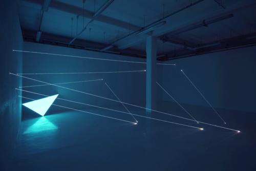 24 CARLO BERNARDINI, CODICE PROGRESSIVO DELLO SPAZIO 2009, Fibre ottiche e superficie elettroluminescente, mt h 3,60x10x7,5, Velan Centro d'Arte Contemporanea, Torino.