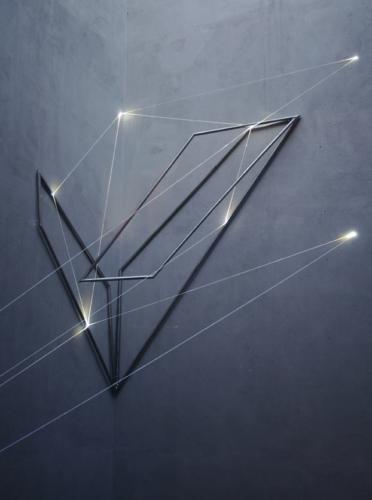 05 Carlo Bernardini, The Corner's Revenge  2011; optic fibres, stainless steele (part.) feet h 66x11x14; MACRO Museo d'Arte Contemporanea di Roma.