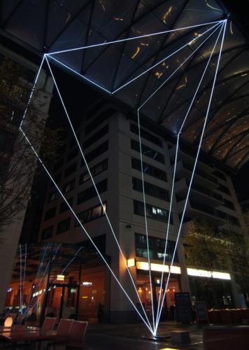 08 Carlo Bernardini, Suspended Crystallization 2010, optic fibers installation, feet h 91x77x66; Artlight Festival, CityQuartier Domaquarèe, Berlin.
