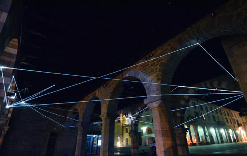 Orbital Trajectories, 2016Fiber optic installation, h mt 6 x 10 x 15.Como, Palazzo del Broletto.