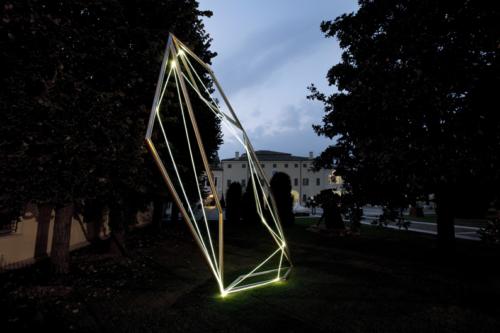 02 CARLO BERNARDINI, Spatial Code 2009, Fiber optic, stainless steel, feet h 22x7x11; Twister, MAM Museo d'Arte Moderna, Gazoldo degli Ippoliti, Mantova (permanent work).