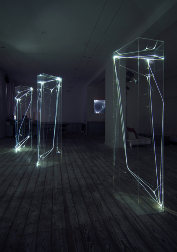 18 CARLO BERNARDINI, Permeable Spaces 2002-2006, Fiber optic, transparent plexiglass, feet h 7,5x2x2 (everyone), Grossetti Arte Contemporanea, Milan.