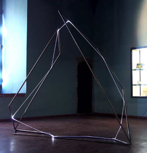 26 CARLO BERNARDINI, Light Catalyst 2007, stainless steel, optic fibers, feet h 9x10x4. Pavia, Museo Civico, Visconteo Castel.