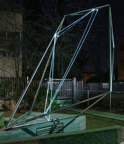 37 CARLO BERNARDINI, The Division of Visual Unity 2002, stainless steel, optical fibers, feet h 13x10x15, Viale dei Platani, Castellanza(VA).