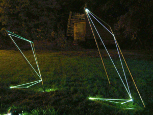 13 CARLO BERNARDINI, Space Drawings 2002 Acciaio, fibre ottiche, mt h 3x1x1-h 2,2x1x1,2, Utica, New York.