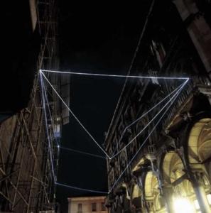 14 CARLO BERNARDINI, Spazio Permeabile 2000, fibre ottiche, mt h 20x40x13, Palazzo della Ragione, Padova.