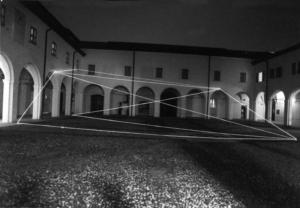 18 CARLO BERNARDINI, Spazio Permeabile 1999, fibre ottiche; mt h 6,5x20x20; Chiostri di S.Domenico, Reggio Emilia.