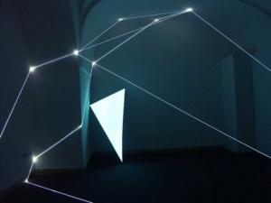 20 CARLO BERNARDINI, SPAZIO PERMEABILE 2003 (Partic.) Fibre ottiche, superficie elettroluminescente, mt h 3x4,5x4, XIV Quadriennale, Palazzo Reale, Napoli.