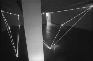 27 CARLO BERNARDINI, Divisione dell'Unità Visiva 1999, fibre ottiche, mt h 3x8x12, e m h 3x12x2,5, Arsenal Gallery, Bialystok (Poland).