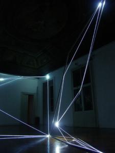 10 CARLO BERNARDINI, Spazi Permeabili 2004, installazione in fibre ottiche e acciaio inox mt h 4,5x6x14 (Part.3) Galleria Milano.