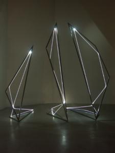 15 CARLO BERNARDINI, Linea di Luce 2004, Acciaio e fibre ottiche, mt h 3x2x3, Galleria Fioretto, Padova