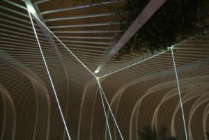 12 CARLO BERNARDINI, PERMEABLE SPACE 2008; Installazione in fibre ottiche, mt h 9x15x8. Valencia, Ciudad De Las Artes Y Las Ciencias.