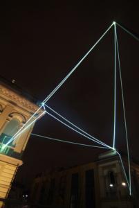 19 CARLO BERNARDINI, CATALIZZATORE DI LUCE 2008, Installazione ambientale in fibra ottica, mt h 15(da terra)x20x18. Lissone (MI), Museo d'Arte Contemporanea.