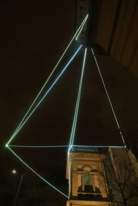 21 CARLO BERNARDINI, CATALIZZATORE DI LUCE 2008; Installazione ambientale in fibra ottica, mt h 15(da terra)x20x18. Lissone (MI), Museo d'Arte Contemporanea.
