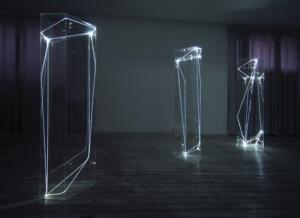 32 CARLO BERNARDINI, SPAZI PERMEABILI 2002-2006, Plexiglass trasparente e fibre ottiche, cm h 225x50x60 (ognuna); Grossetti Arte Contemporanea, Milano.