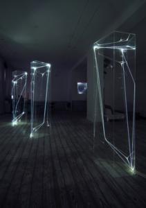 33 CARLO BERNARDINI, SPAZI PERMEABILI 2002-2006, Plexiglass trasparente e fibre ottiche, cm h 225x50x60 (ognuna), Grossetti Arte Contemporanea, Milano.