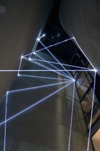 02 Carlo Bernardini, La Rivincita dell'Angolo 2011, fibre ottiche, acciaio inox; mt h 18x3x4. MACRO Museo d'Arte Contemporanea di Roma.