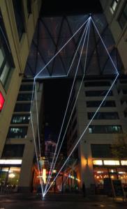 07 Carlo Bernardini, Suspended Crystallization 2010, installazione ambientale in fibre ottiche, mt h 25x21x18. Artlight Festival, CityQuartier Domaquarèe, Berlino.