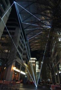 10 Carlo Bernardini, Suspended Crystallization 2010, installazione ambientale in fibre ottiche, mt h 25x21x18. Artlight Festival CityQuartier Domaquarèe, Berlino.