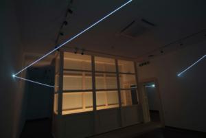 33 Carlo Bernardini, Cristallizzazione Sospesa 2010; fibra ottica, dimensione ambiente, attraversamento di tre sale. CRAA, Centro Ricerca Arte Attuale, Villa Giulia, Verbania.