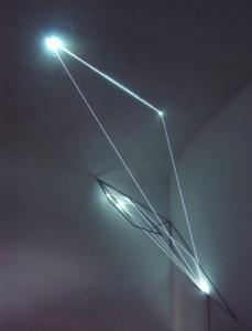 57 Carlo Bernardini, Codice Progressivo 2010; fibre ottiche, acciaio inox, cm h 200x200x90; Delloro Arte Contemporanea, Roma.