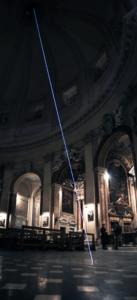58 Carlo Bernardini La luce oltre la materia, 2011 Installazione in fibra ottica, h mt 35 x 12. Basilica S.Maria in Montesanto, Roma