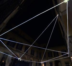 11 Carlo Bernardini Campo magnetico, 2012 Fibre ottiche, mt h 7 x 16 x 21. Palazzo Clerici, Milano