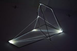 15 Carlo Bernardini La materia è il vuoto, 2012 Fibre ottiche, acciaio inox, mt h 1,5 x 2,4 x 1,4. Grossetti arte contemporanea, Milano