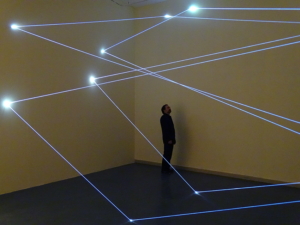 11 Carlo Bernardini Dimensioni Invisibili, 2014 Installazione in fibra ottica, mt h 4,5 x 15 x 5. Sharjah, Sharjah Art Museum