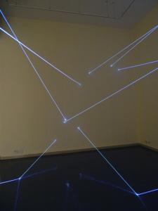 12 Carlo Bernardini Dimensioni Invisibili, 2014 Installazione in fibra ottica, mt h 4,5 x 15 x 5. Sharjah, Sharjah Art Museum