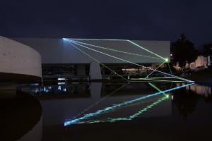 03 Carlo Bernardini Dimensioni Invisibili, 2015 Installazione ambientale in fibre ottiche, mt h 10 x 28  x 27. Oscar Niemeyer Museum, Bienal de Curitiba