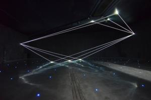 10 Carlo Bernardini Dimensioni Invisibili, 2016 Fibre ottiche, mt H 5,22 x 18,50 x 7,00. Milano, La Porta di Milano, Aeroporto di Malpensa