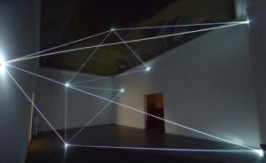 17 Carlo Bernardini Sul crinale del visibile, 2016 Installazione in fibra ottica, h cm 575 x 710 x 670. Firenze, Galleria Eduardo Secci contemporary