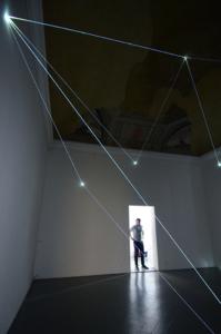 18 Carlo Bernardini Sul crinale del visibile, 2016 Installazione in fibra ottica, h cm 575 x 710 x 670. Firenze, Galleria Eduardo Secci contemporary