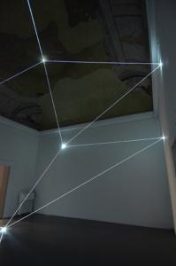 19 Carlo Bernardini Sul crinale del visibile, 2016 Installazione in fibra ottica, h cm 575 x 710 x 670. Firenze, Galleria Eduardo Secci contemporary