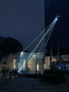 """14 Carlo Bernardini Invisible Dimensions, 2017 Installazione ambientale in fibra ottica, h mt 15 x 10 x 4,5. Asuncion, 2° Bienal Internacional de Asuncion, """"Significar lo Imposible"""", UPAP, Una Universidad Todo un Pais"""