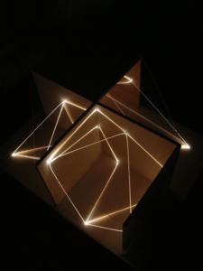 47 CARLO BERNARDINI, Architettural Space 2002, fibre ottiche, legno, cm h 40x80x65, Sculpture Space, Utica, New York.