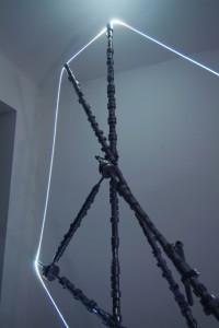 13 CARLO BERNARDINI, Accumulatore di Luce 2007, Alberi a cammes, fibra ottica, mt h 2,30x2,50x1.
