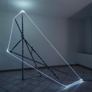 14 CARLO BERNARDINI, Accumulatore di Luce 2007, Alberi a cammes, fibra ottica; mt h 2,30x2,50x1.