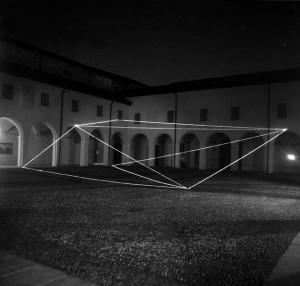 17 CARLO BERNARDINI, Spazio Permeabile 1999, fibre ottiche, mt h 6,5x20x20, Chiostri di S.Domenico, Reggio Emilia.