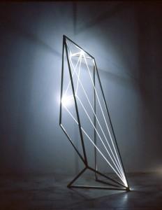 30 CARLO BERNARDINI, Spazio Permeabile 2002, Acciaio, fibre ottiche, cm h 150x50x50.