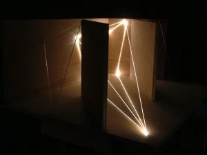 46 CARLO BERNARDINI, Architettural Space 2002, fibre ottiche, legno, cm h 40x75x60, Sculpture Space, Utica, New York.